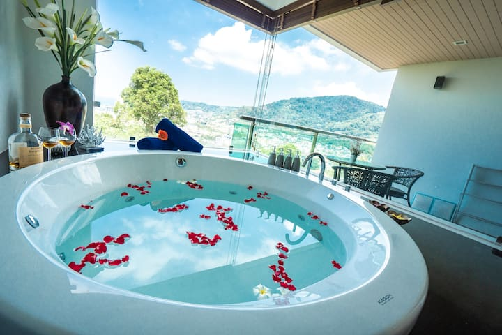 Family Penthouse Duplex 2 Bedroom Jacuzzi Sea View