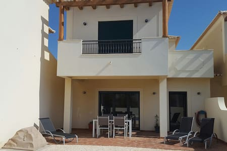 Villa with private swimming pool - Budens - House