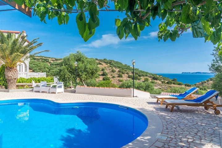 Villa Palma - Private pool, Sea view