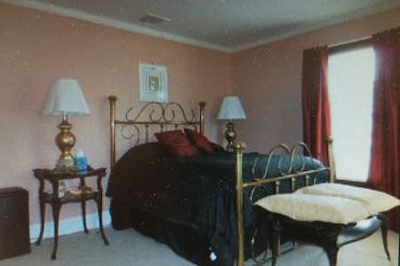 Sylish Bright room Victorian Brass Bed