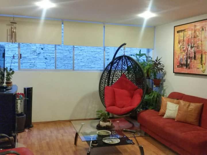 Renovado y cómodo cuarto al sur de la ciudad!!