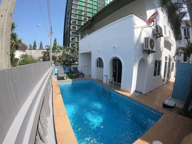 Villa 4 bedroom Pattaya