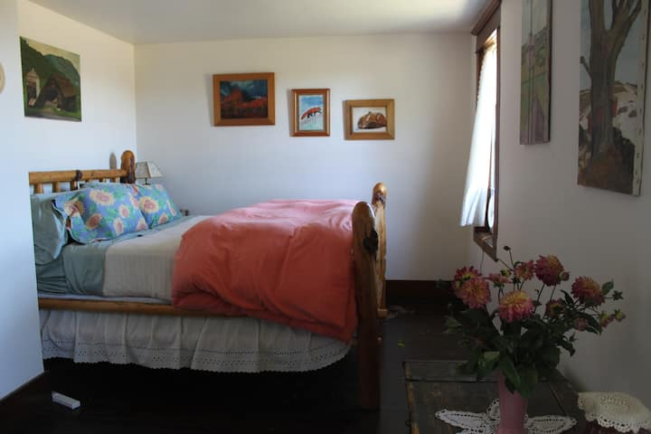 Sublime Farm Stay - Airbnb Room