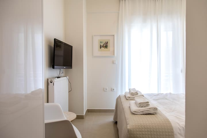 The Minimal Suite