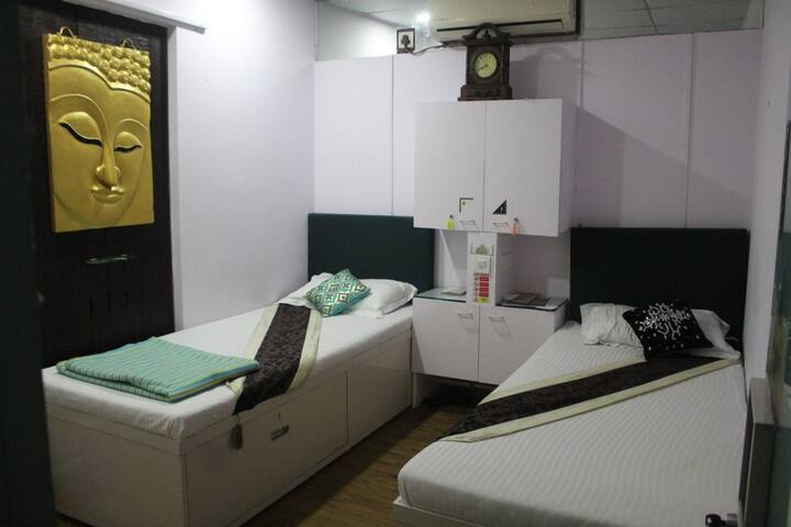 The Villa Juhu C+ Single Bed Sharing With A/C  Loc