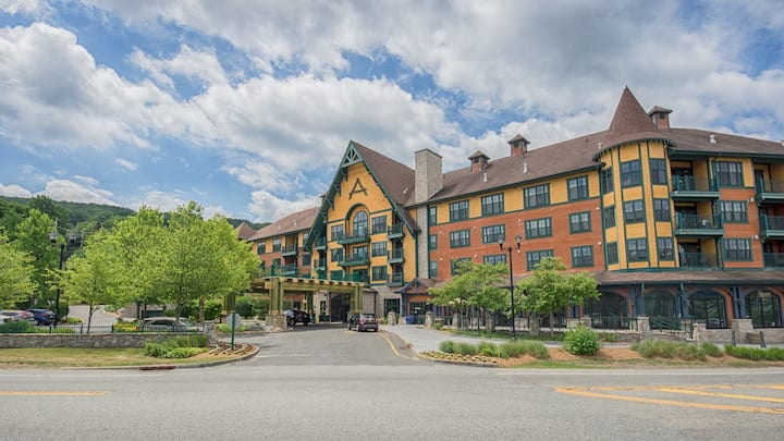 Two -1 bedrm lock-off units @Mountain Creek Resort