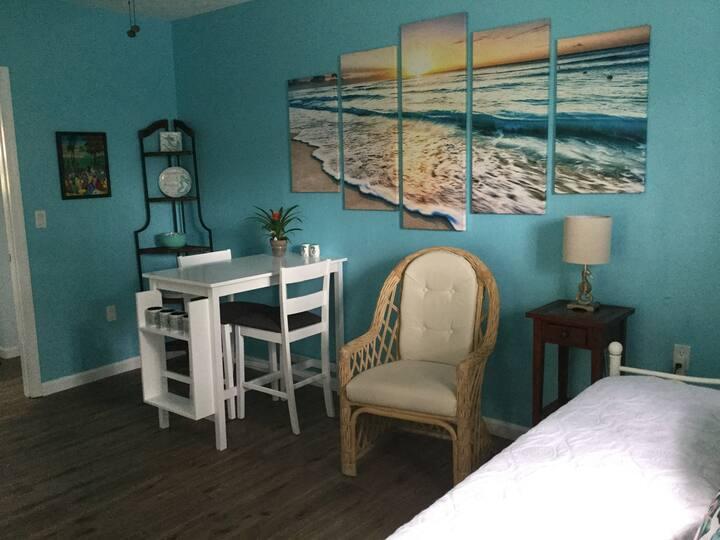 SEAMAID INN ~~Where Your Tropical Vacation Begins!
