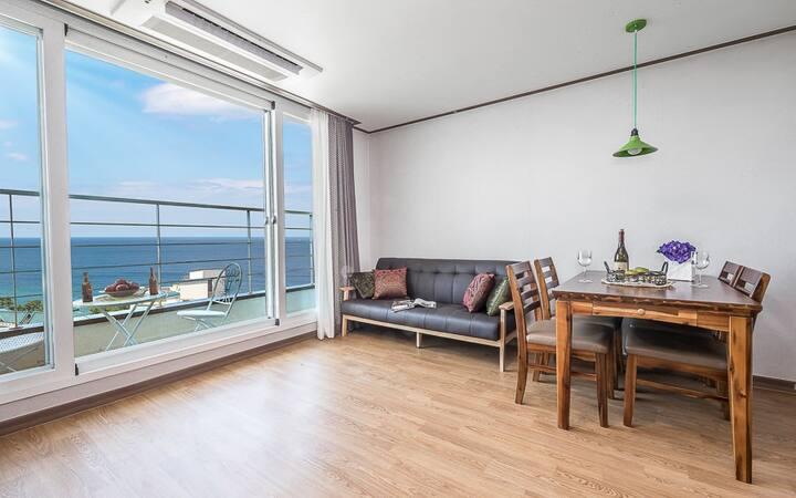 포근한 바다의 풍경이 보이는 F01(투룸, 오션뷰) 객실