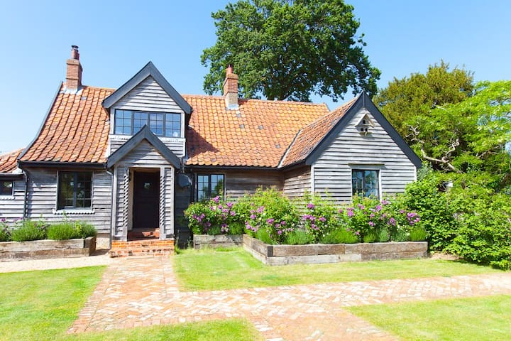 Romantic Rose Cottage @ Letheringham Lodge - Woodbridge - Huis