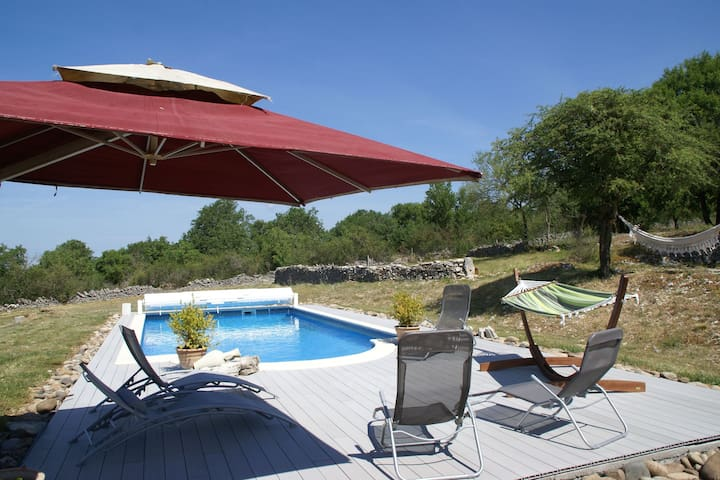 Atmospheric holiday home near Rocamadour with private swimming pool.