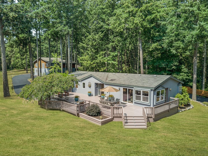 Newly Listed! Beautiful Home near Roche Harbor! (Quarry Point Retreat)