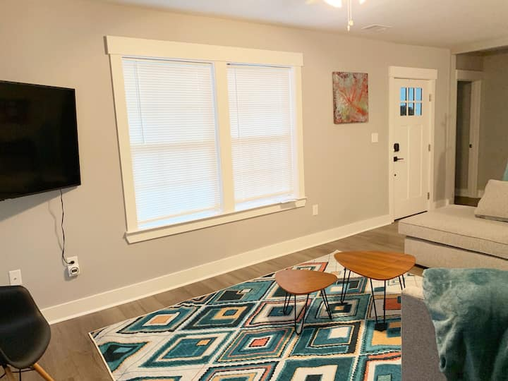 Modern Updated Central 3BR Savannah Home