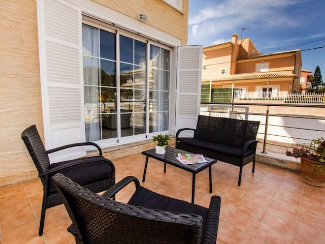 Spacious Apartment Dragonera Close to the Beach with Wi-Fi & Terrace; Parking Available
