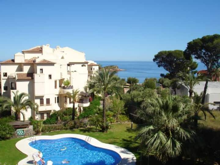 Apartment with one bedroom in Altea, with wonderful sea view, shared pool, terrace - 100 m from the beach
