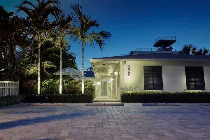 1BR Luxury Suite #2 on Ocean Drive, Steps to Beach