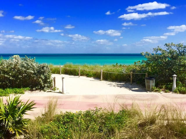 Private Room in Miami - Close drive to beach!