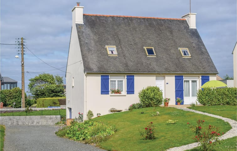 Holiday cottage with 5 bedrooms on 130m² in Paimpol