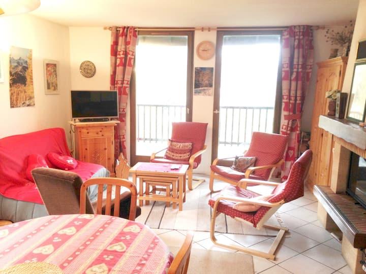 Appartamento con 4 stanze a Le Monêtier-les-Bains, con splendida vista sulle montagne, balcone attrezzato e WiFi