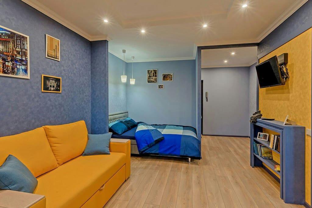 Двуспальный диван и двуспальная кровать