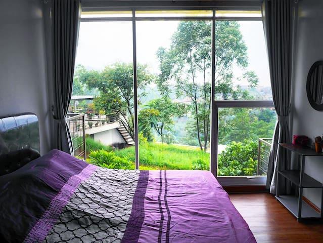 Main bedroom.