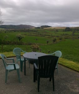 GLENDALE Cottage, 8 minutes from Bantry.
