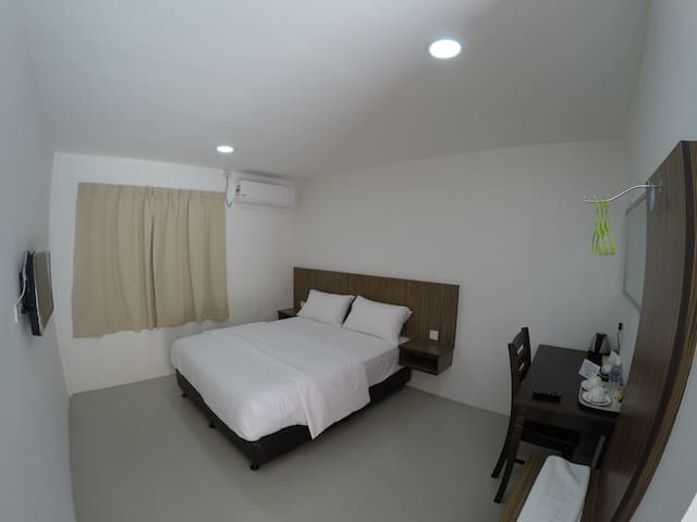 Summer Beach Lodge- Superior Queen Room - Labuan
