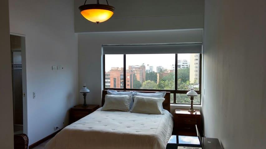 Exclusiva alcoba privada con baño en el Poblado - Medellín - Lägenhet