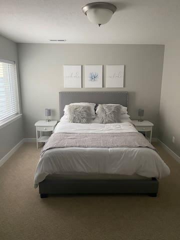 Queen memory foam mattress and plenty of pillows