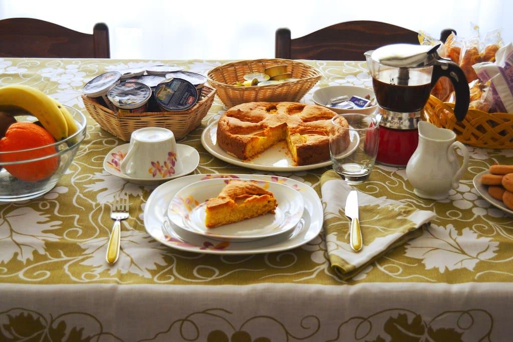 l'abbondante colazione con le torte di Carlo Alberto