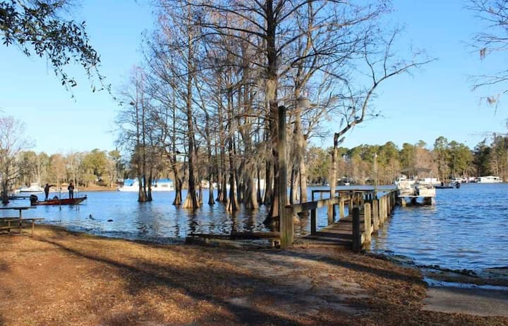 Entire House - Summerton Home on Lake Marion