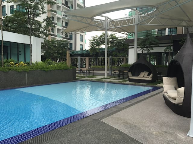 Very well maintained swimming pool and Jacuzzi  .