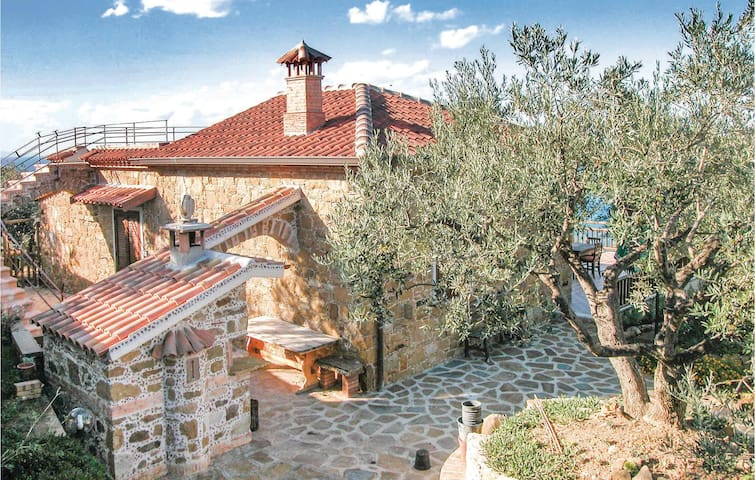 Holiday cottage with 2 bedrooms on 55m² in S. Marco di C.te SA