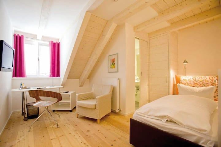 Hotel Fuchsbräu (Beilngries), Einzelzimmer - mit WLAN und Sauna