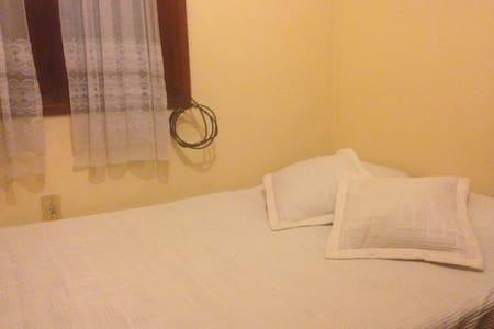 Habitación privada en Salto, termas y turismo. - Salto