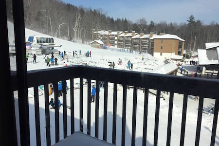 Slope side condo at base of Okemo - Ludlow - Pis