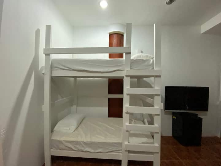 Hostel PR -Shared Mixed Bedroom Bunk Bed #13B