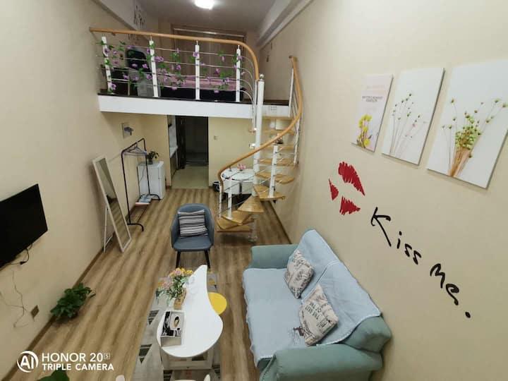 悦宿情侣公寓