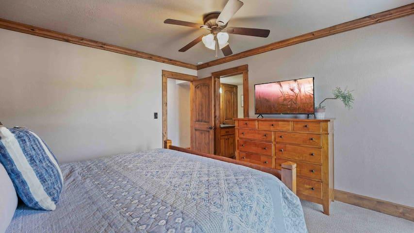 Bedroom 2 - lower level King