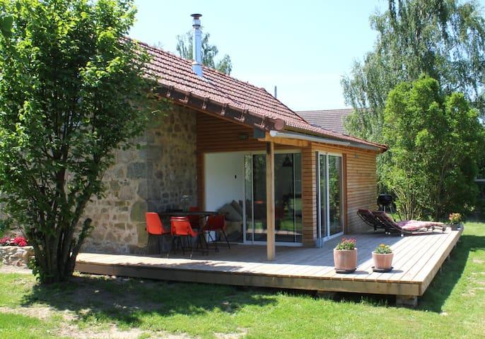 Alter Stall geschmackvoll renoviert - Poil - House