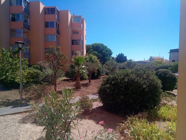 AS16106 - Studio downtown with private parking in a secure residence 150m from the beach