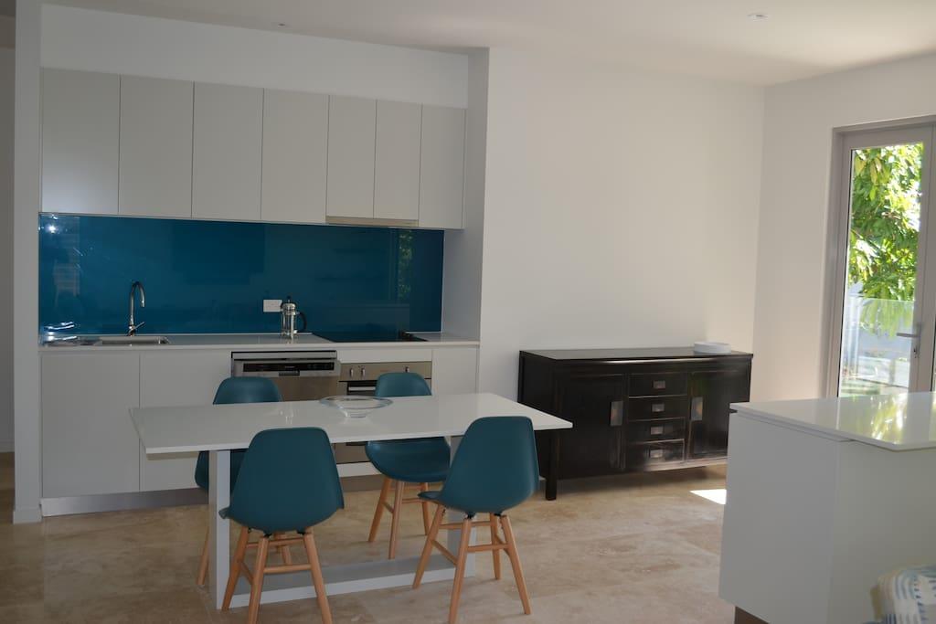 Modern kitchen /dining area