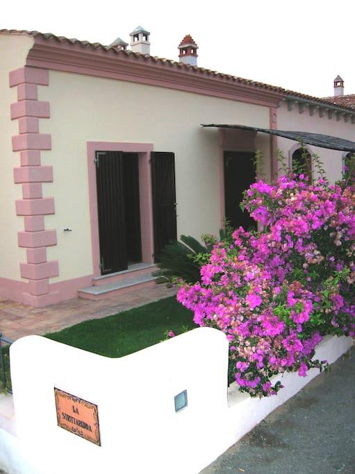 ingresso con giardino veranda anteriori