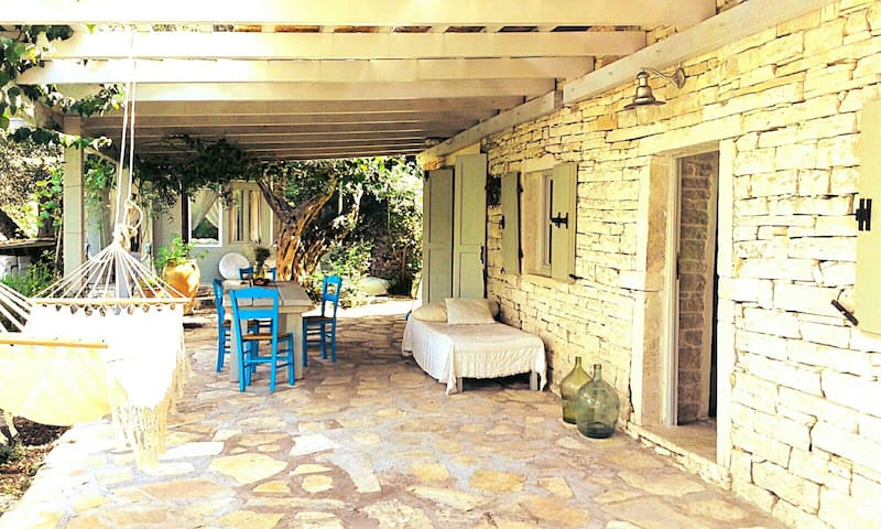 Restored Stone House in Paxos - Lakka - บ้าน
