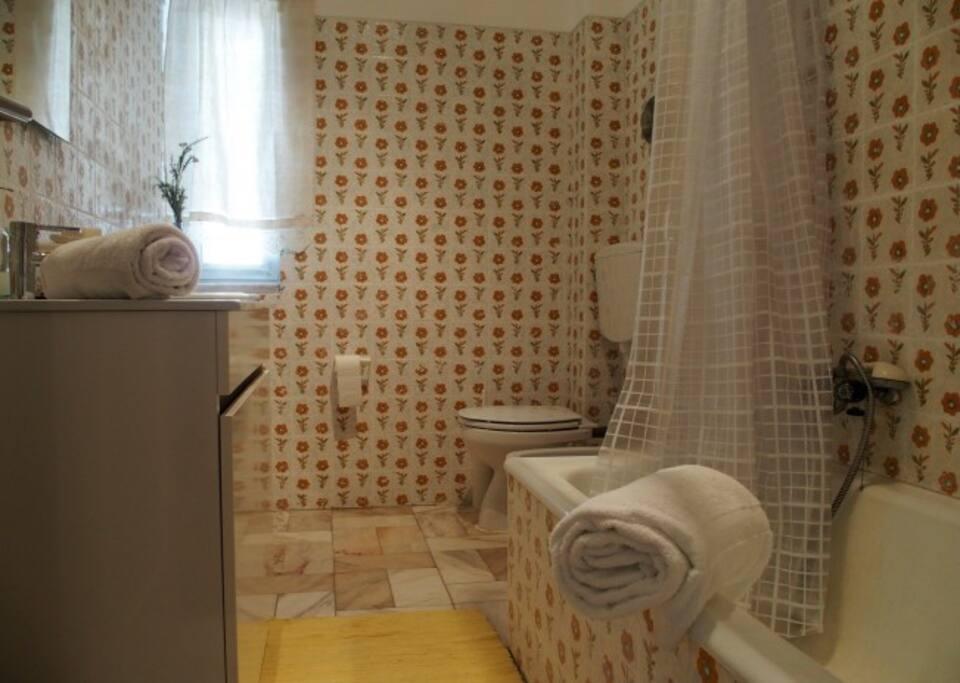 Bath room(casa de banho)