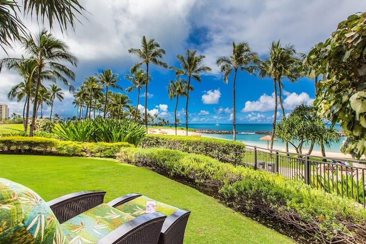 Premier BEACH FRONT, Ko Olina Villa. You can't get any closer than this!