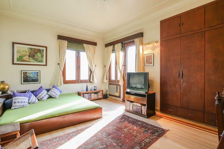 Good Location| 3BHK Apartment| Artistic|