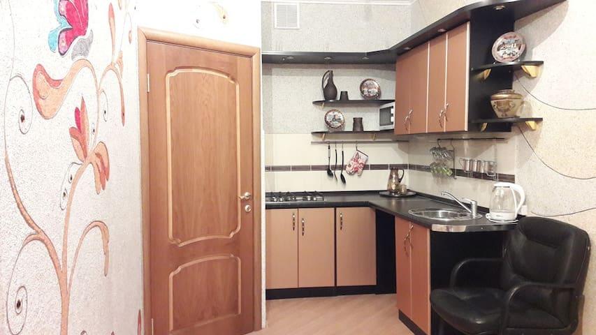 Гостевой дом ( на Юрьевской ) - Pechory - Apartamento com serviços incluídos