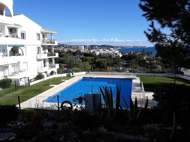 Lovely beach side apartment with sea views