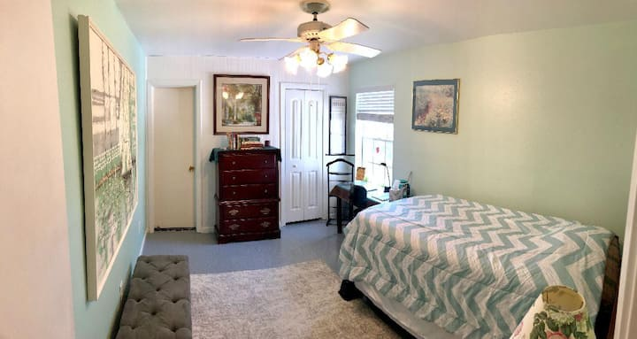 Scarsdale home south of Hobby Airport/Hospital