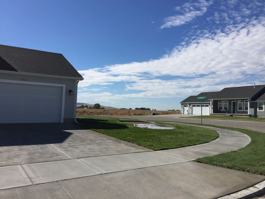 3 car garage available to guests